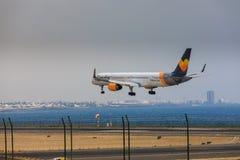ARECIFE,西班牙- 2017年4月, 16 :波音神鹰757-300与t的 免版税库存照片