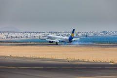 ARECIFE,西班牙- 2017年4月, 16 :波音神鹰757-300与t的 免版税图库摄影