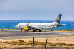ARECIFE,西班牙- 2017年4月, 15 :空中客车A320 vueling com与 库存照片