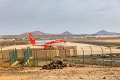 ARECIFE,西班牙- 2017年4月, 15 :easyjet A319-100读的空中客车 库存图片