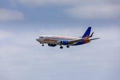 ARECIFE,西班牙- 2017年4月, 15 :Jet2holidays波音737-300  免版税库存图片