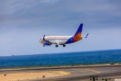ARECIFE,西班牙- 2017年4月, 15 :Jet2holidays波音737-300  免版税库存照片