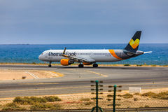 ARECIFE, ΙΣΠΑΝΙΑΣ - 15 ΑΠΡΙΛΙΟΥ, 2017: Airbus A321 του Thomas Cook με Στοκ Φωτογραφία