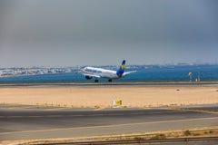 ARECIFE, ΙΣΠΑΝΙΑΣ - 16 ΑΠΡΙΛΙΟΥ, 2017: Airbus A321 ThomasCook COM W Στοκ φωτογραφία με δικαίωμα ελεύθερης χρήσης