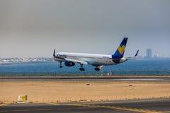 ARECIFE, ΙΣΠΑΝΙΑΣ - 16 ΑΠΡΙΛΙΟΥ, 2017: Boeing 757-300 του κόνδορα με το τ Στοκ Φωτογραφία