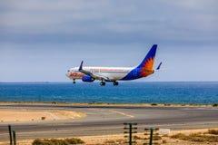 ARECIFE, ΙΣΠΑΝΙΑΣ - 15 ΑΠΡΙΛΙΟΥ, 2017: Boeing 737-800 Jet2holidays Στοκ φωτογραφία με δικαίωμα ελεύθερης χρήσης
