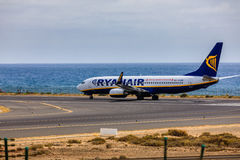 ARECIFE, ΙΣΠΑΝΙΑΣ - 15 ΑΠΡΙΛΙΟΥ, 2017: Boeing 737-800 RYANAIR με Στοκ εικόνα με δικαίωμα ελεύθερης χρήσης