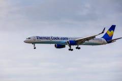 ARECIFE, ΙΣΠΑΝΙΑΣ - 15 ΑΠΡΙΛΙΟΥ, 2017: Boeing 757-300 ThomasCook Κοβάλτιο Στοκ εικόνες με δικαίωμα ελεύθερης χρήσης