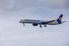 ARECIFE, ΙΣΠΑΝΙΑΣ - 15 ΑΠΡΙΛΙΟΥ, 2017: Boeing 757-300 ThomasCook Κοβάλτιο Στοκ φωτογραφία με δικαίωμα ελεύθερης χρήσης