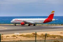 ARECIFE, ESPAÑA - ABRIL, 15 2017: Airbus A321 de IBERIA con Imagen de archivo libre de regalías