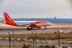 ARECIFE, ESPAÑA - ABRIL, 15 2017: Airbus A319-100 del easyjet leído Foto de archivo libre de regalías
