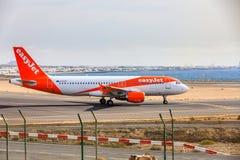 ARECIFE, ESPAÑA - ABRIL, 15 2017: Airbus A319-100 del easyjet leído Fotos de archivo libres de regalías