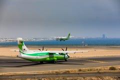 ARECIFE SPANIEN - APRIL, 16 2017: ATR 72 av Binter med regisen Royaltyfri Fotografi
