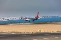 ARECIFE SPANIEN - APRIL, 16 2017: Boeing 737-800 av Jet2 med Arkivbild