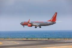 ARECIFE SPANIEN - APRIL, 16 2017: Boeing 737-800 av Jet2 med Royaltyfri Fotografi