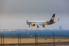 ARECIFE SPANIEN - APRIL, 16 2017: Boeing 757-300 av kondor med t Royaltyfria Foton
