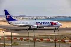 ARECIFE SPANIEN - APRIL, 15 2017: Boeing 737-800 av LOPPET Servic Royaltyfria Bilder