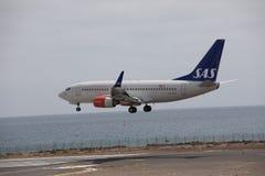 ARECIFE SPANIEN - APRIL, 15 2017: Boeing 737-700 av SAS landa a Arkivbild