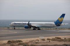 ARECIFE SPANIEN - APRIL, 15 2017: Boeing 757 - 300 av Thomas Cook Royaltyfria Bilder
