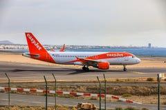ARECIFE SPANIEN - APRIL, 15 2017: Flygbuss A320 - 200 av beträffande easyjet Arkivbild