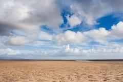 Areia e céu Imagens de Stock