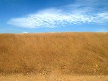 Areia e céu fotos de stock