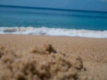 Areia e mar bonitos da praia com espaço da cópia para o fundo - BO Foto de Stock Royalty Free