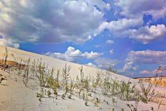 Areia e nuvens Imagens de Stock Royalty Free
