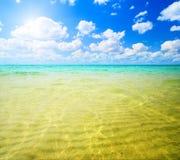 Areia e oceano Fotografia de Stock Royalty Free