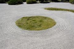 Areia japonesa da rocha do zen do jardim de Portland Fotos de Stock