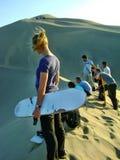 Areia que embarca abaixo das dunas Imagem de Stock Royalty Free