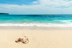 Areias do feriado branco da praia Fotos de Stock