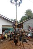 Areki pięcia rasa upamiętniać Indonezja dzień niepodległości Zdjęcia Royalty Free
