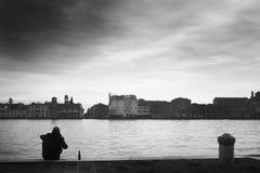 Arelief μετά από τη σκληρή εργάσιμη ημέρα Στοκ φωτογραφία με δικαίωμα ελεύθερης χρήσης