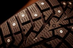 Aren op banden voor auto's en een speciaal soort loopvlak royalty-vrije stock afbeeldingen