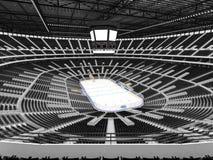Arena deportiva hermosa para el hockey sobre hielo con los asientos negros y las cajas del VIP Imagen de archivo libre de regalías