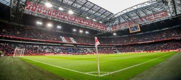 Arena di Amsterdam di panoramica durante la partita di calcio di Ajax Fotografia Stock Libera da Diritti
