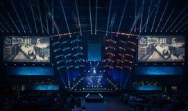 Arena, die ein Spielturnier bewirtet lizenzfreie stockfotos