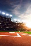 Arena magnífica del béisbol profesional en luz del sol foto de archivo