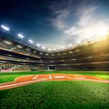 Arena magnífica del béisbol profesional en luz del sol Foto de archivo libre de regalías