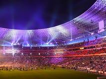 Arena notturna di riempimento dei ventilatori di calcio Fotografie Stock