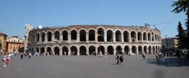 Arena romana antiga do amphitheatre em Verona imagens de stock