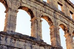 Arena romana do anfiteatro, arquitetura antiga do coliseu nos Pula Foto de Stock Royalty Free