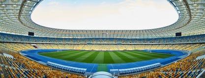 Arena vacía enorme del fútbol Fotografía de archivo