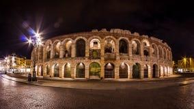 Arena Verona vid natt Arkivbilder