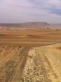 Arena y cielo del desierto Imagen de archivo libre de regalías