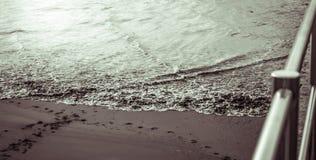 Arena y mar Imagen de archivo libre de regalías