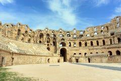 Arena y pared del anfiteatro en el EL Djem, Túnez fotografía de archivo