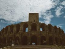 Arena y Roman Amphitheatre, Arles, Provence, Francia fotografía de archivo libre de regalías
