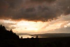 Arenal αντανάκλαση λιμνών ο ήλιος Στοκ Εικόνες